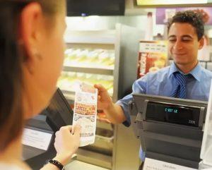 почему нельзя оставлять чеки на кассе