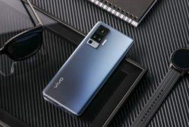 телефон с хорошей камерой памятью и батареей