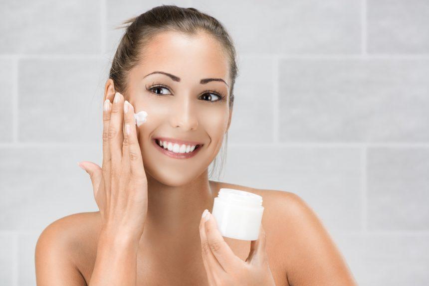 Самый лучший крем для кожи лица 2021 года. Рейтинг ТОП-10